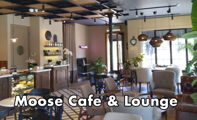Moose Cafe & Lounge
